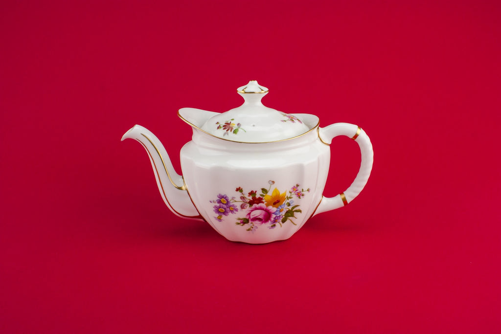 Bone china retro teapot
