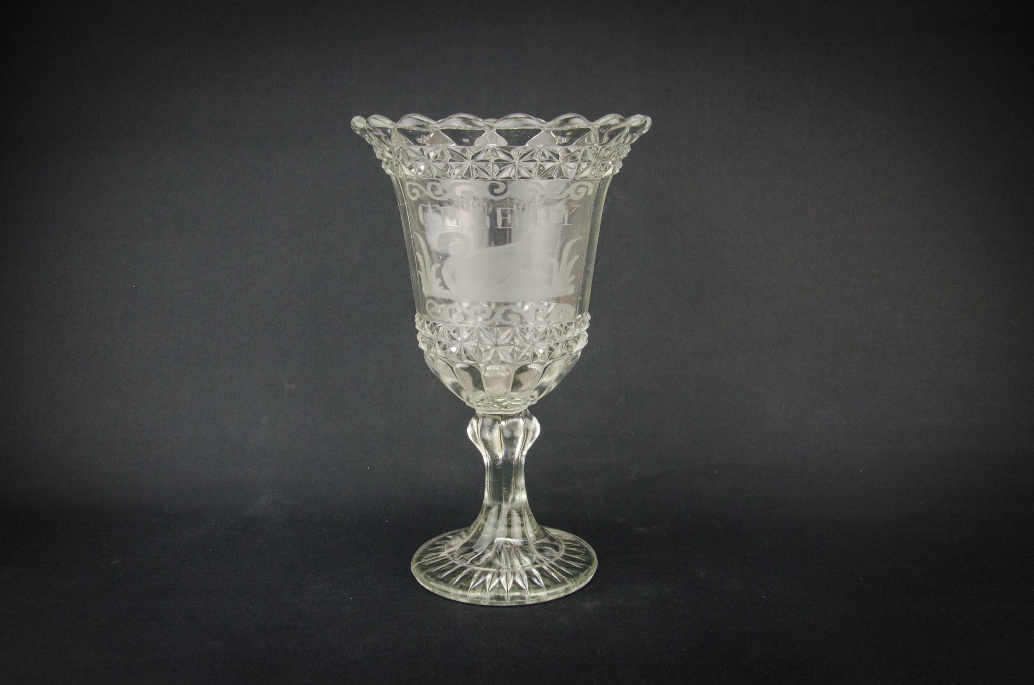 Celery glass serving bowl