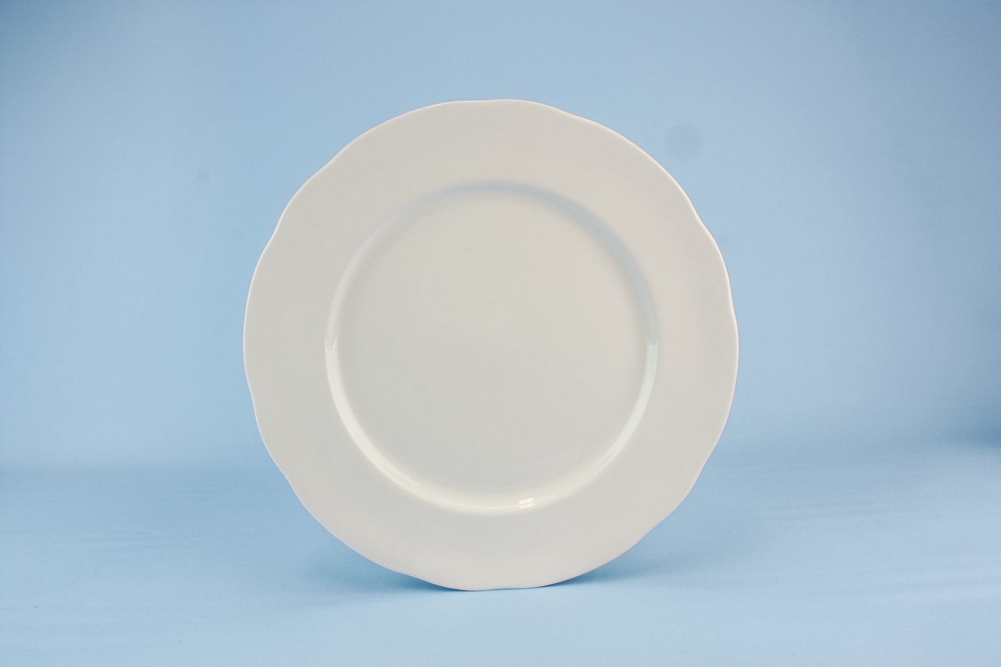 5 Duchess dinner plates