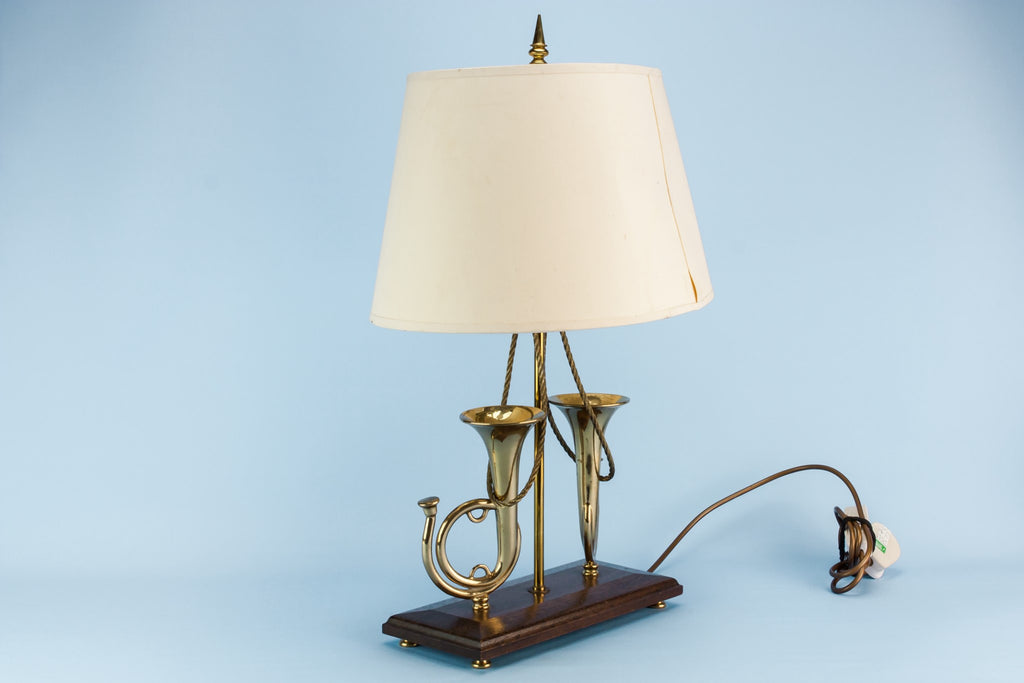 Brass hunting horns lamp