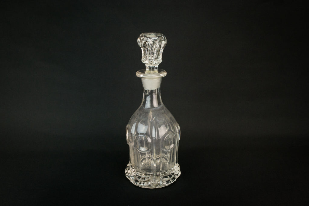 Moulded glass mallet decanter