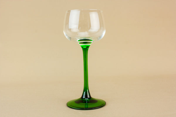 5 white wine glasses