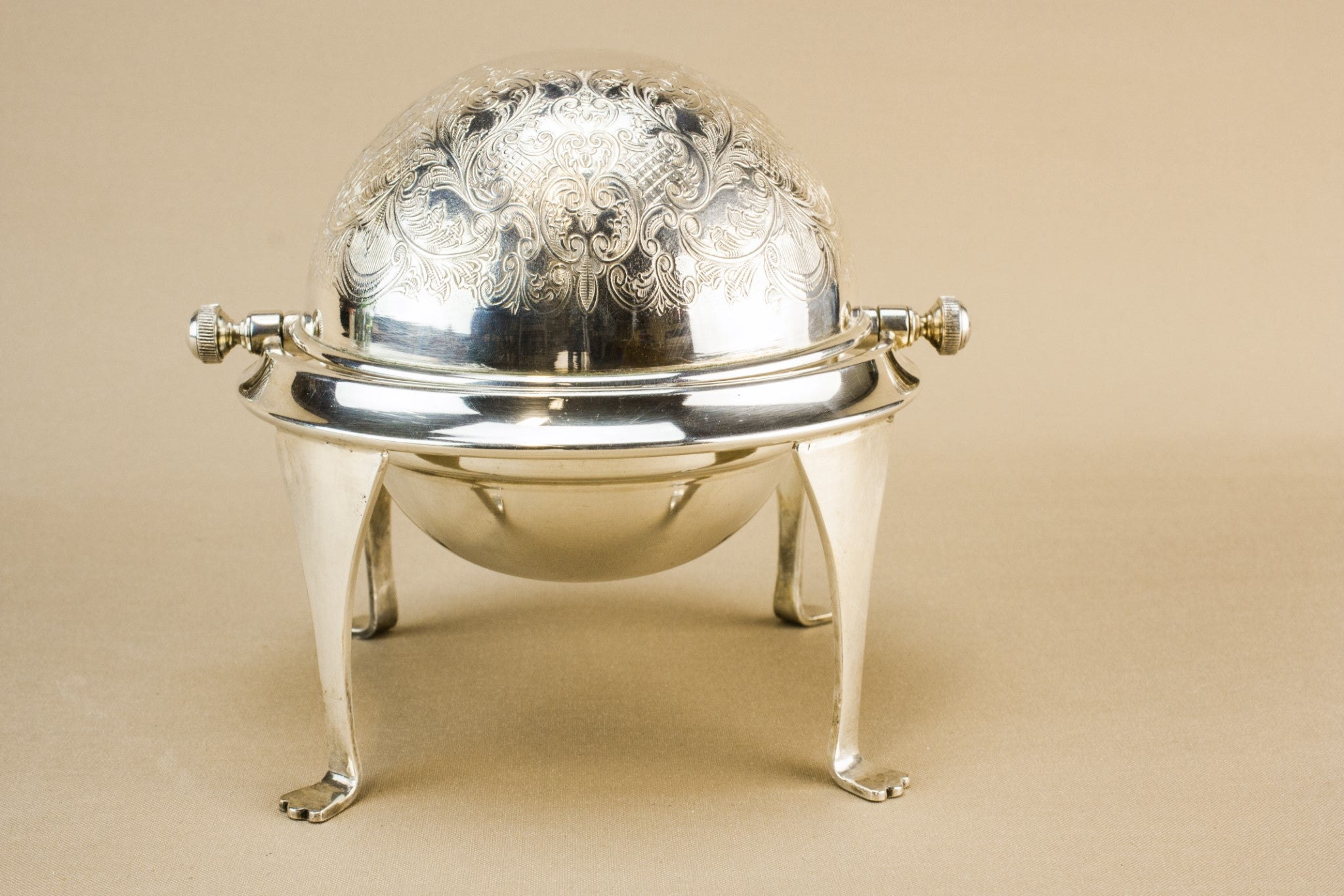 Caviar dish or sugar bowl