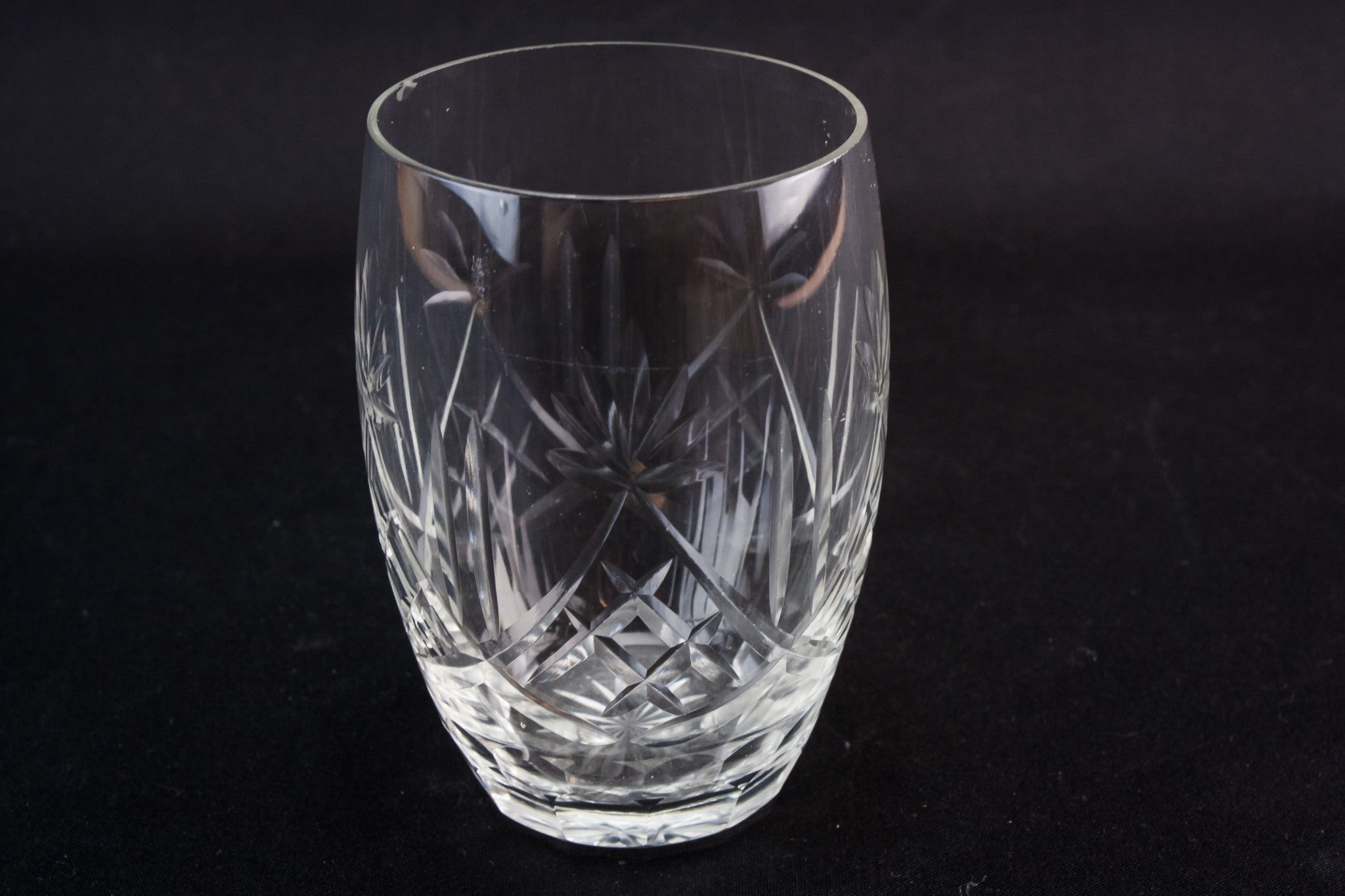 5 medium whisky glasses
