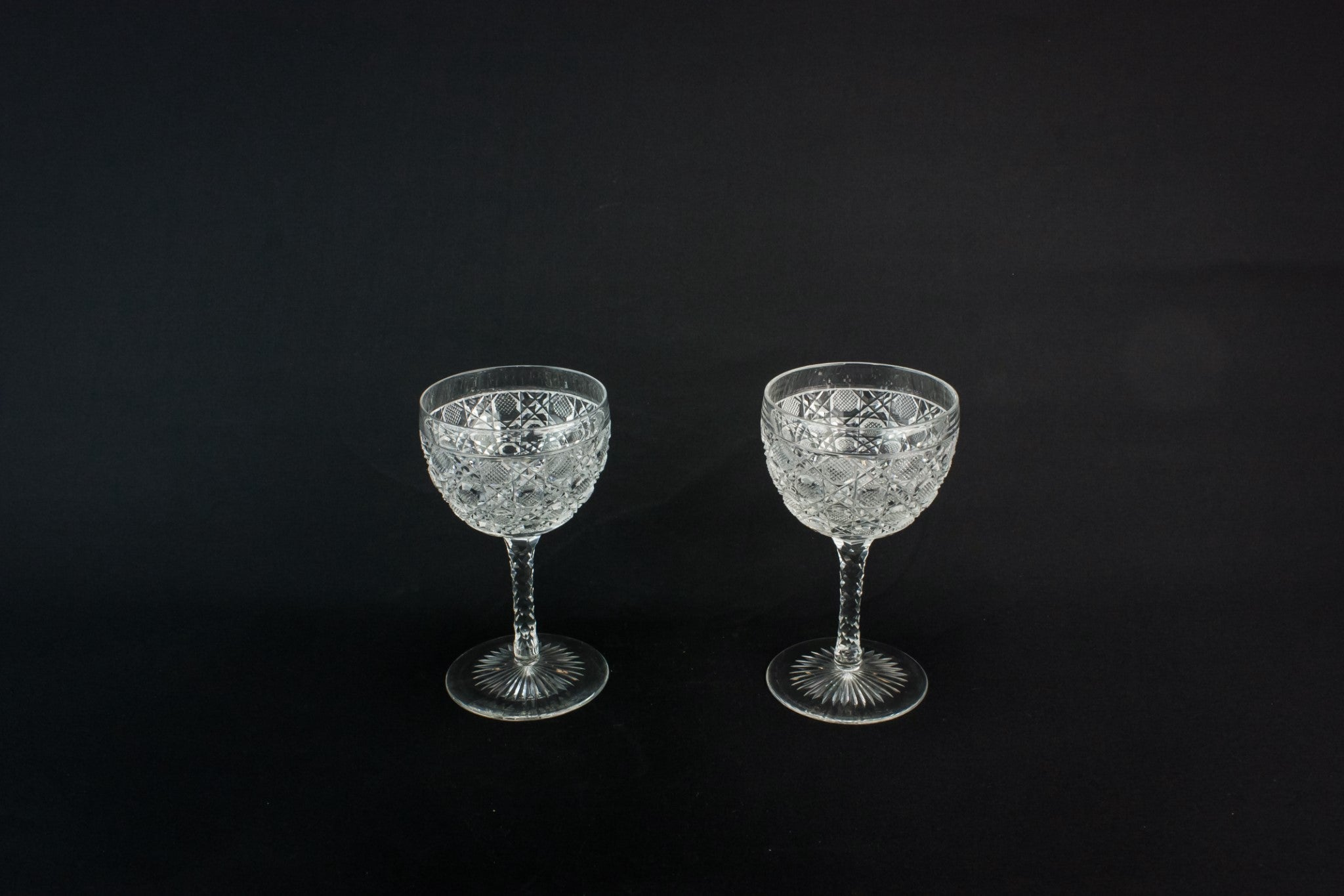 2 small wine glasses