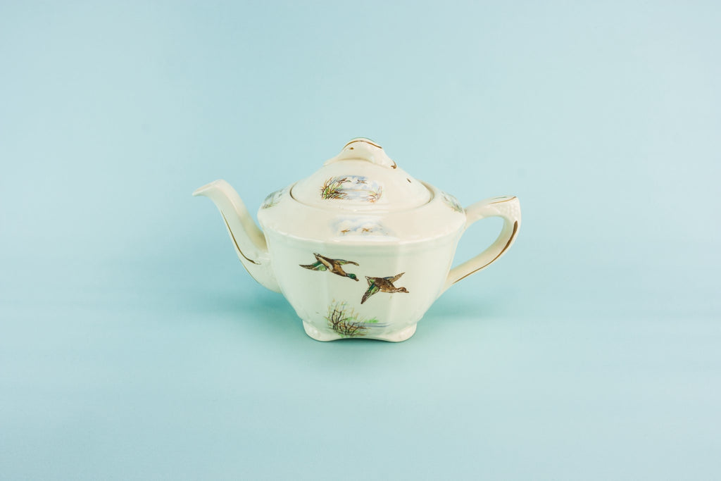 Flying ducks teapot