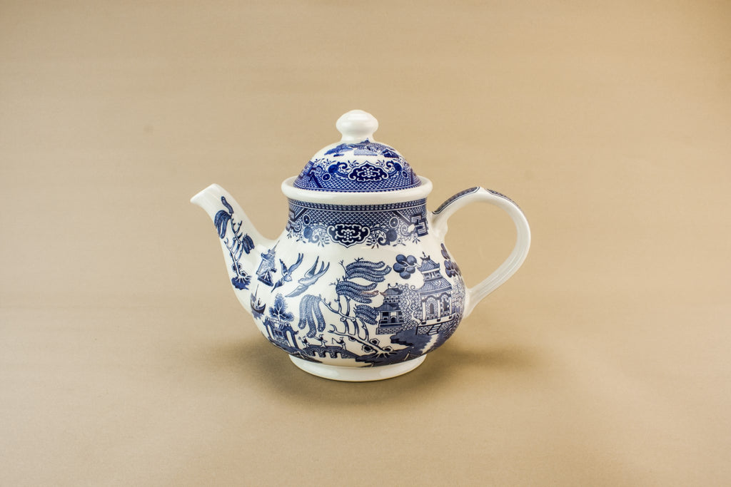Blue willow retro teapot