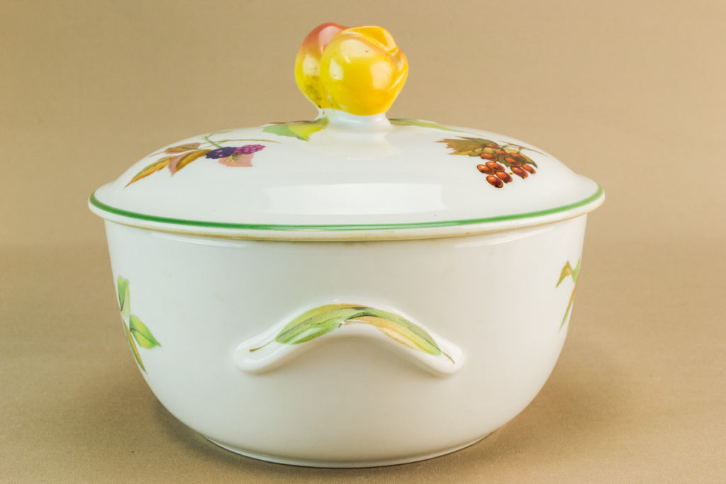 Retro porcelain tureen