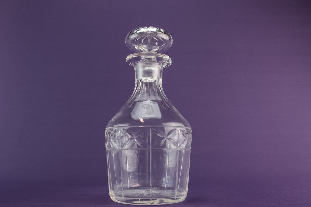 Cut glass port decanter