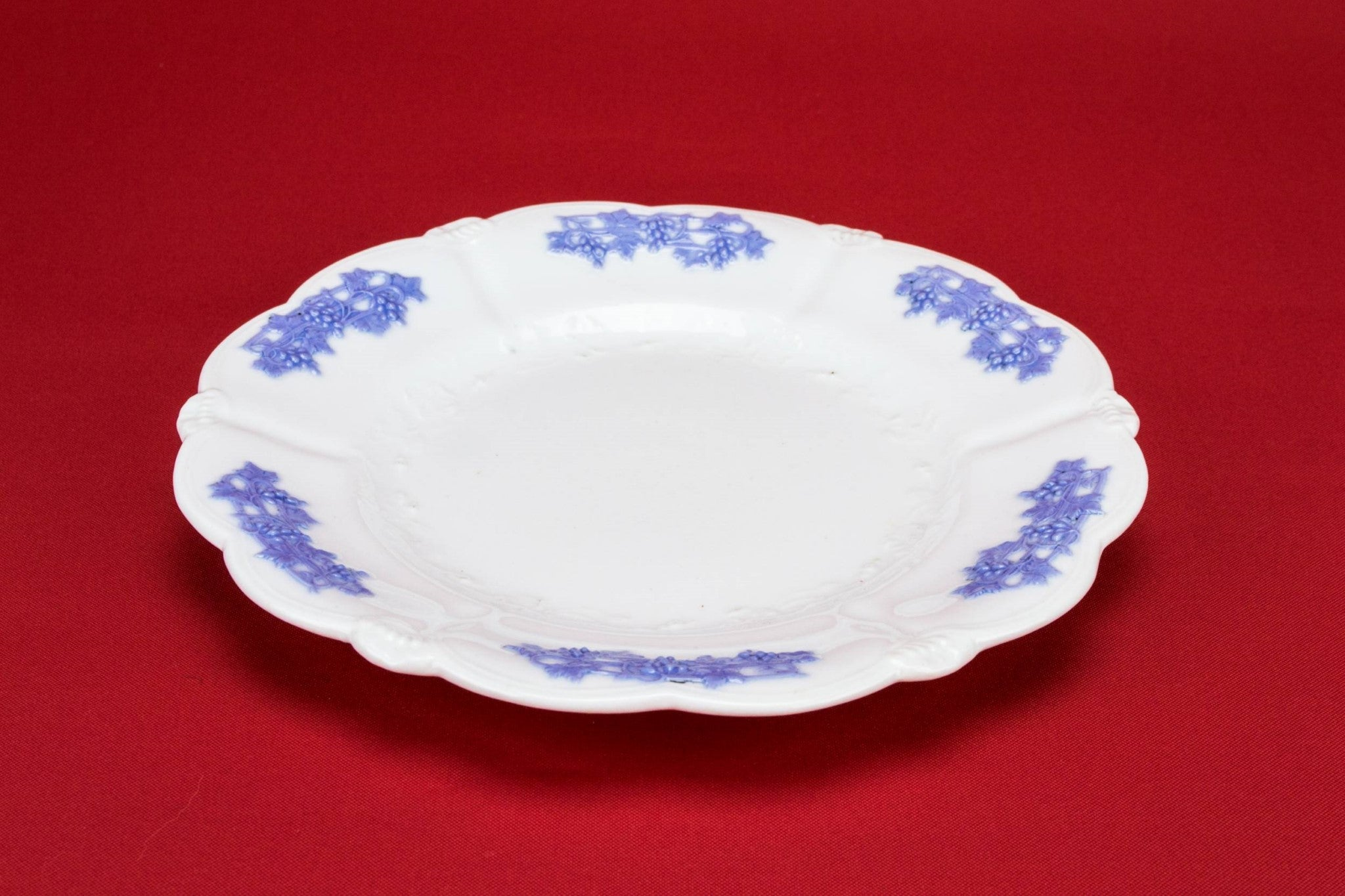 6 lavender medium plates