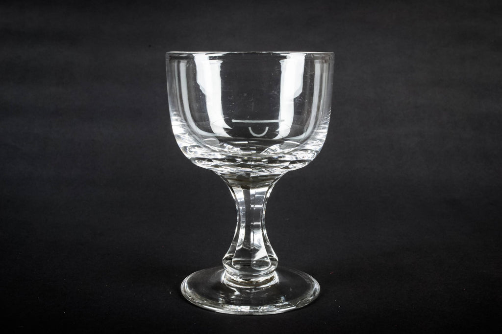 Octagonal stem glass