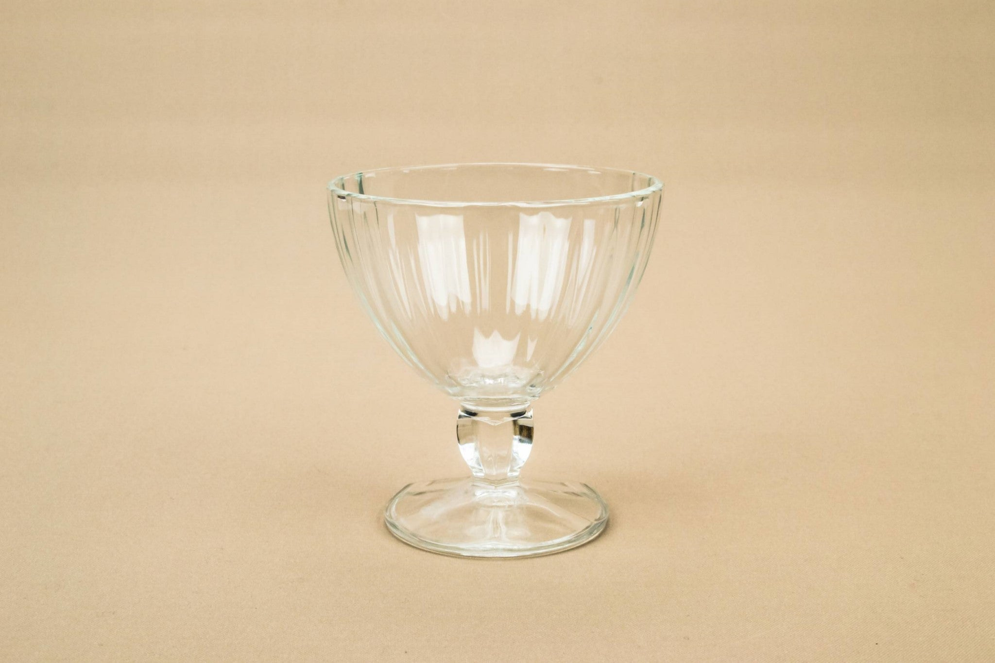 4 glass champagne saucers