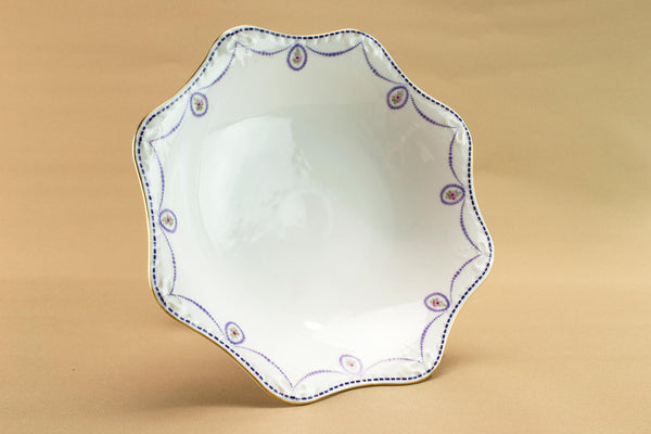 Porcelain fruit stem bowl, circa 1910