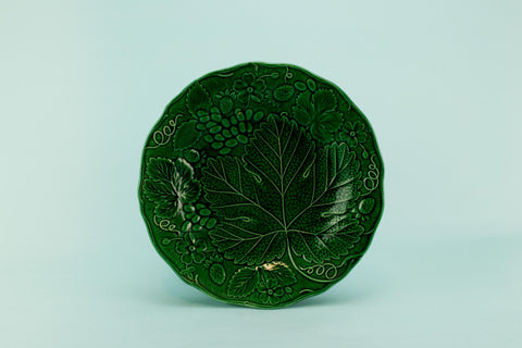 Green majolica serving dish, English late 19th C