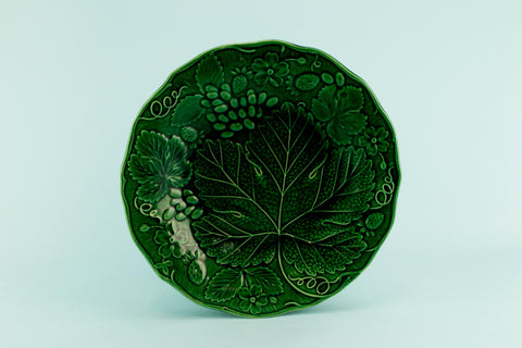 Green majolica plate, English late 19th C