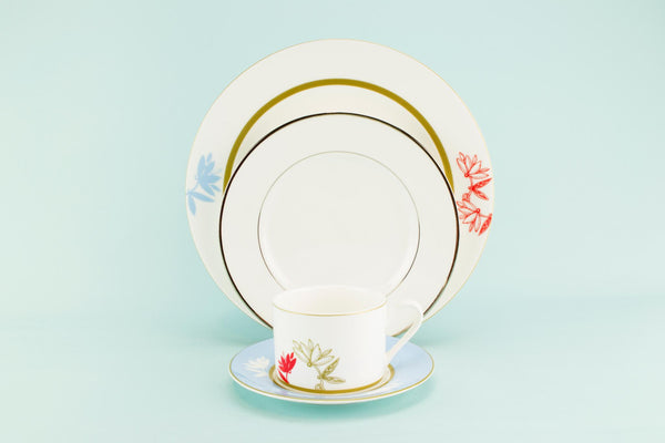 Harlequin dinner set