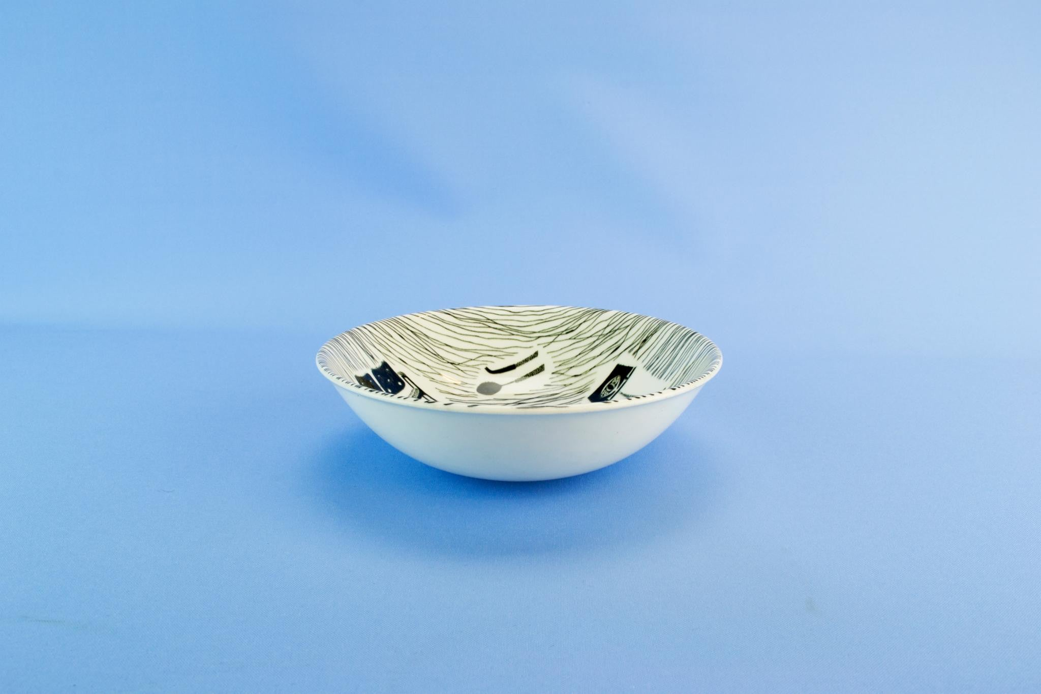 6 black & white bowls, English 1970s