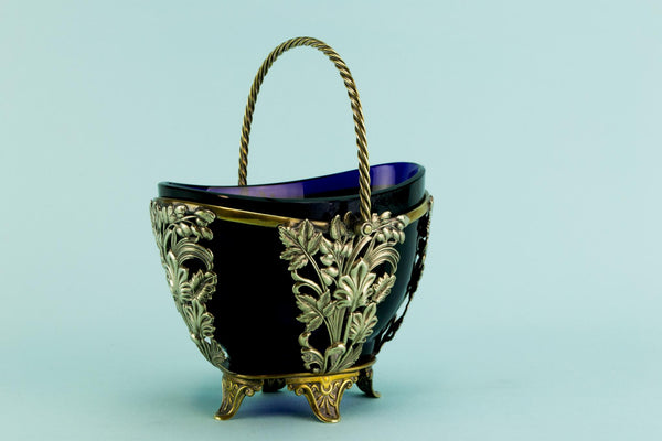 Sauce serving bowl, English late 19th century