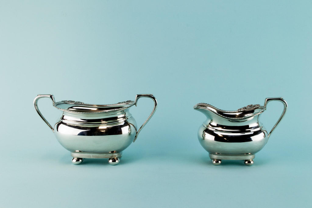 Silver plated tea set trio, English early 1900s