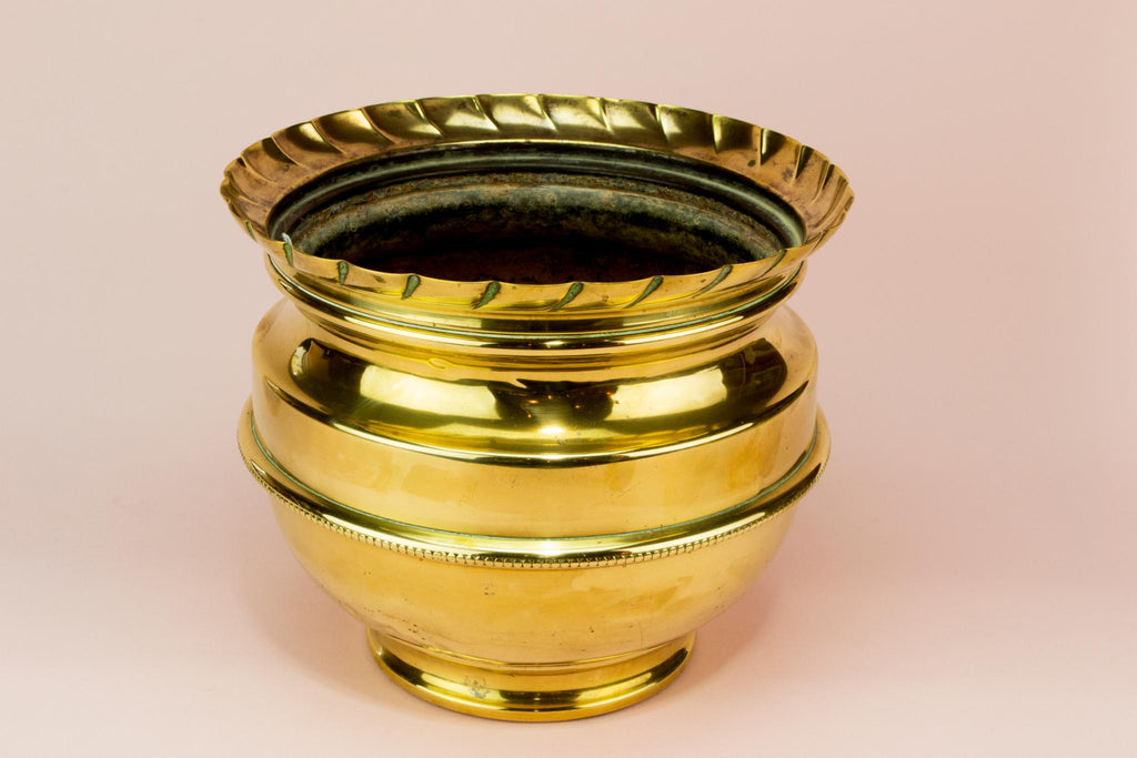 Medium brass flower pot planter, English early 1900s