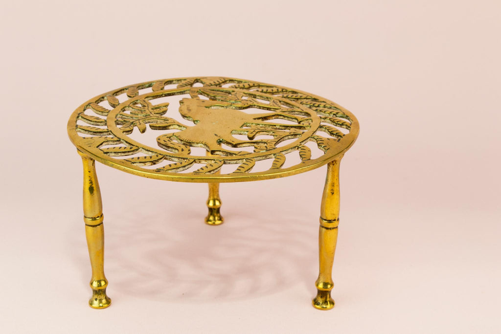 Horse design brass trivet stand, English Early 1900s