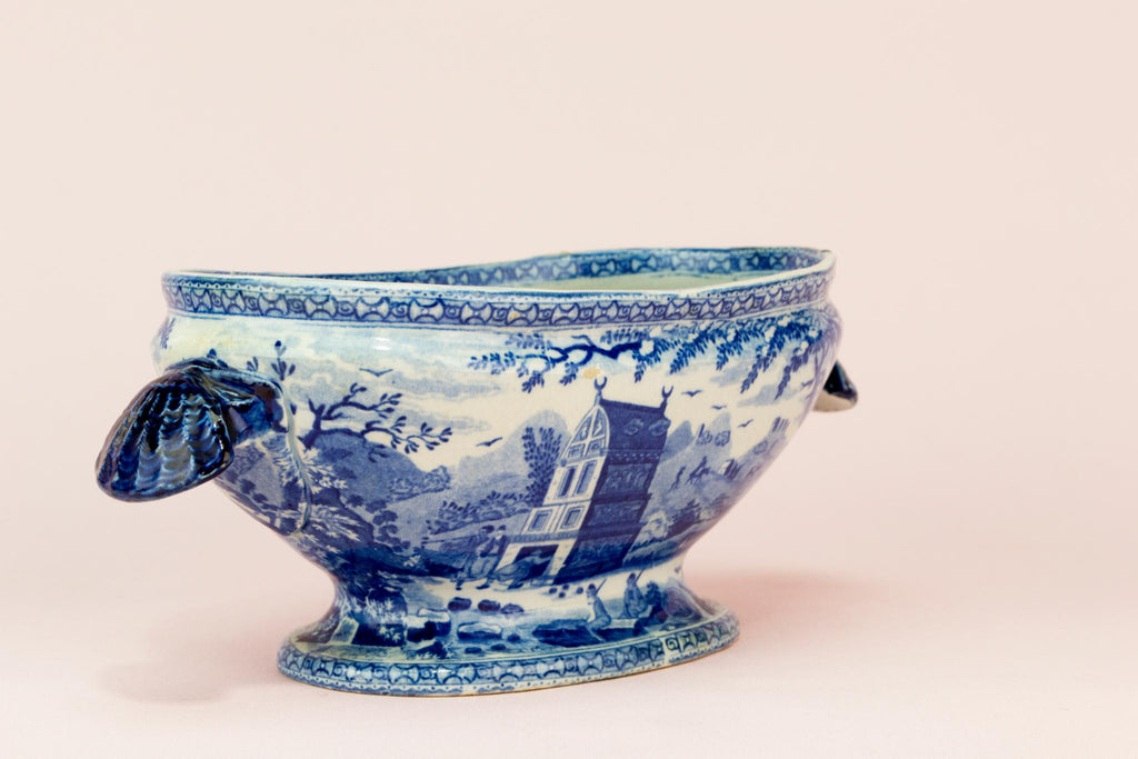 Small blue and white sauce bowl, English early 1800s