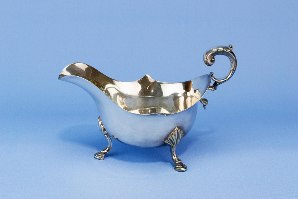 Silver plated gravy boat on feet, English early 1900s