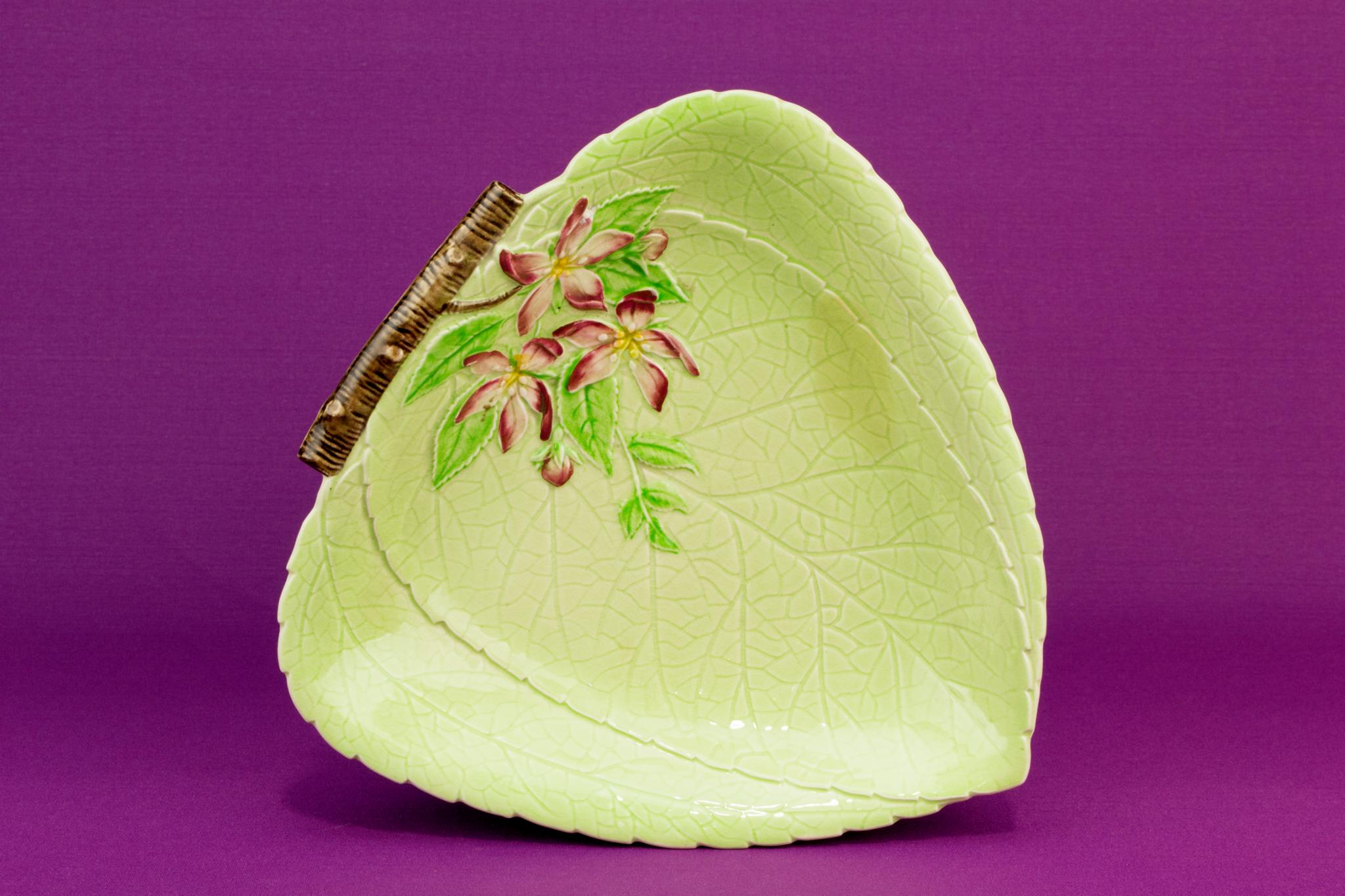 Carlton Ware leaf shaped serving bowl, English 1950s