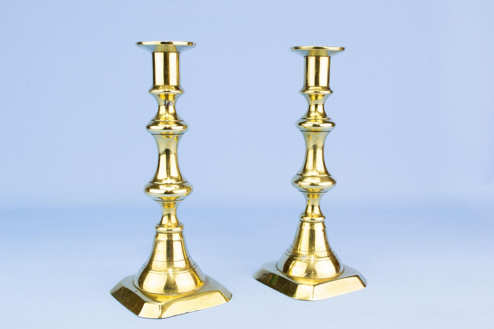 pair of Polished brass candlesticks, English 19th century
