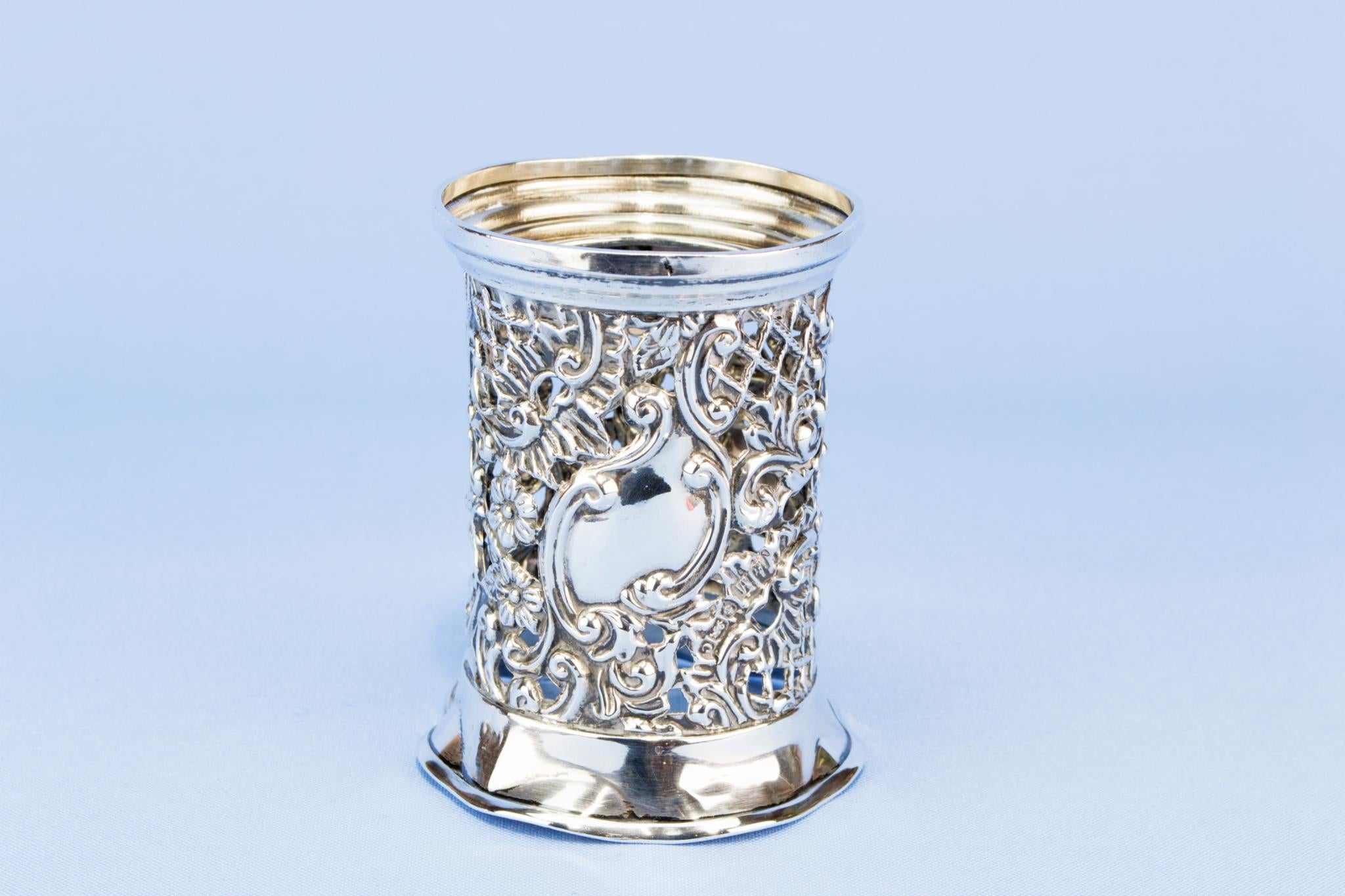Sterling silver Condiment pot stand, English 1902
