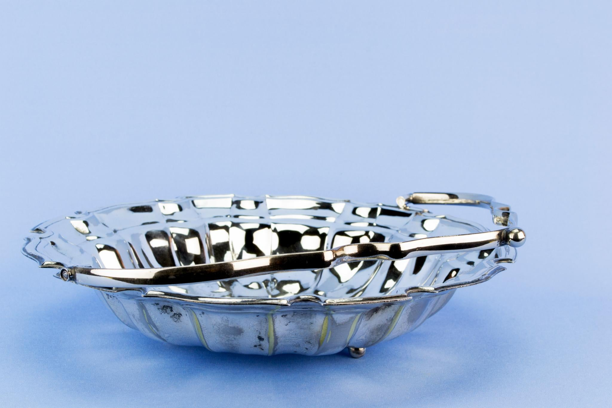 Silver plated fruit serving bowl, English mid 20th century