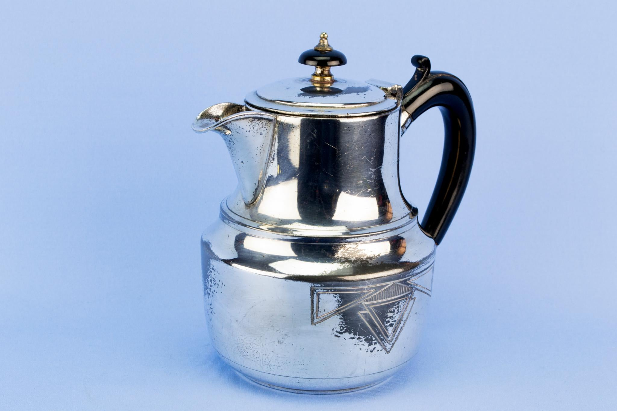Art Deco silver plated coffee pot, English 1930s