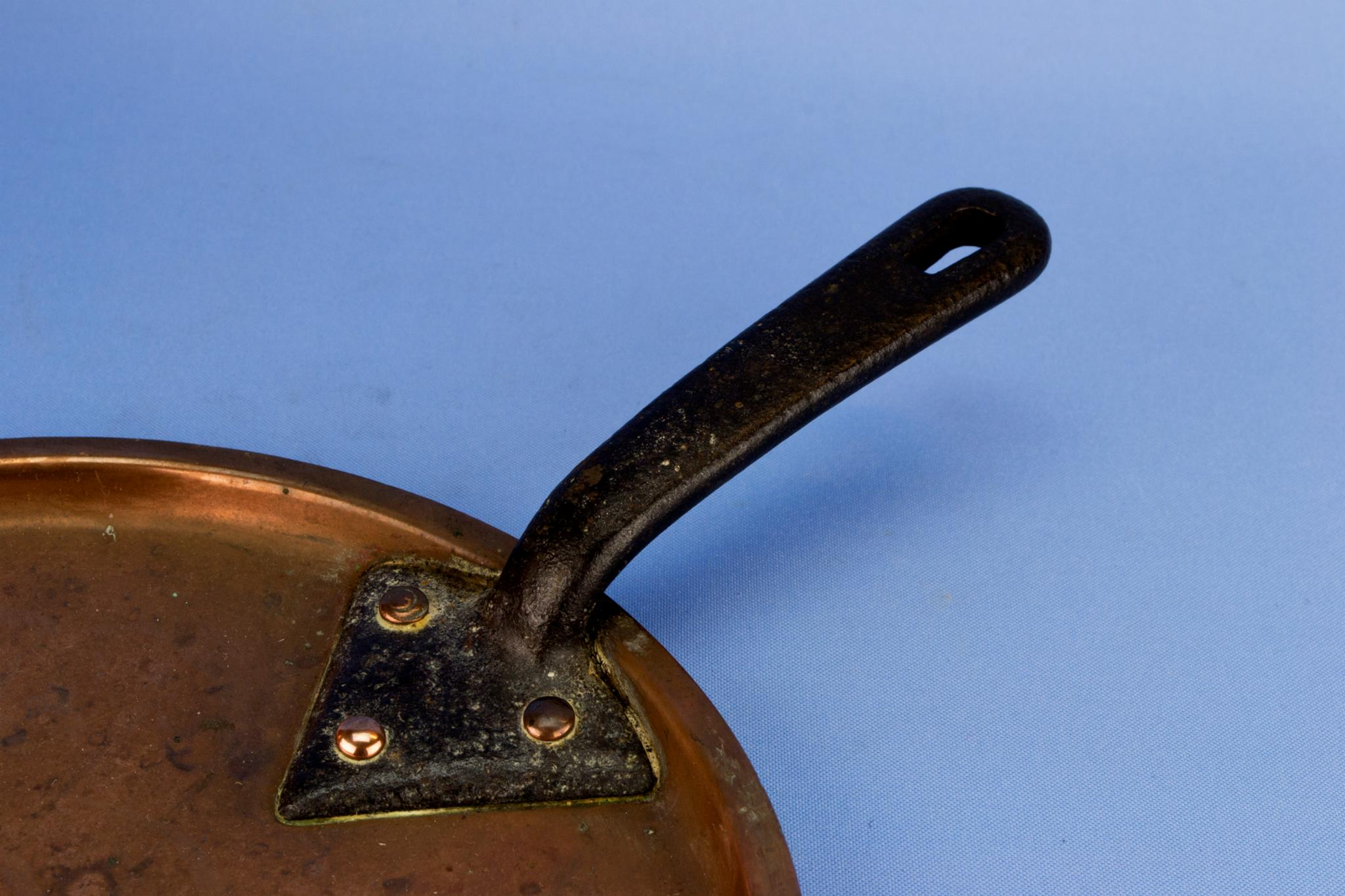 Medium Copper Pan and lid, English 19th Century