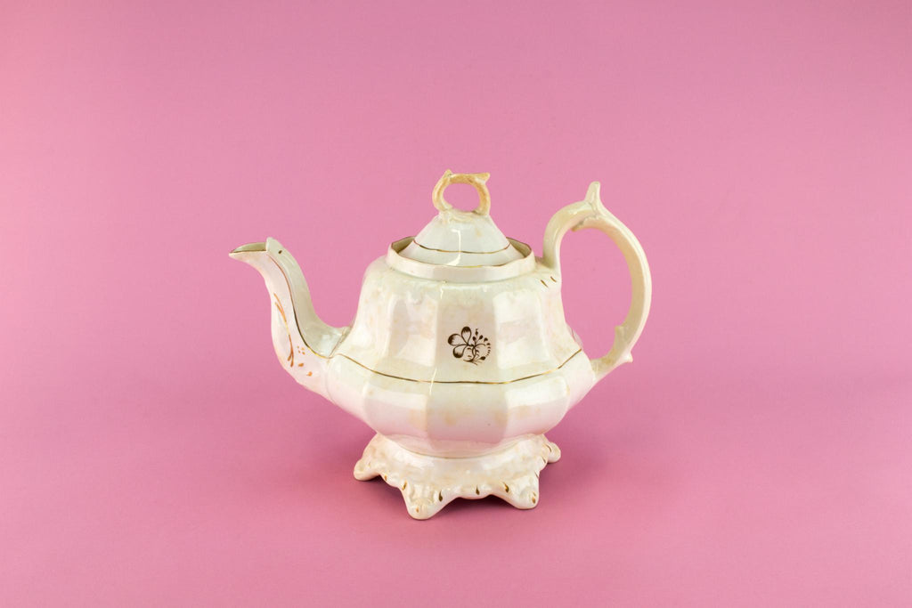 Large Georgian Teapot In Pottery, English 1830s