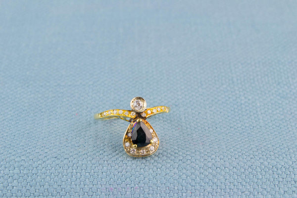 Ring 18ct Gold Sapphire and Diamonds