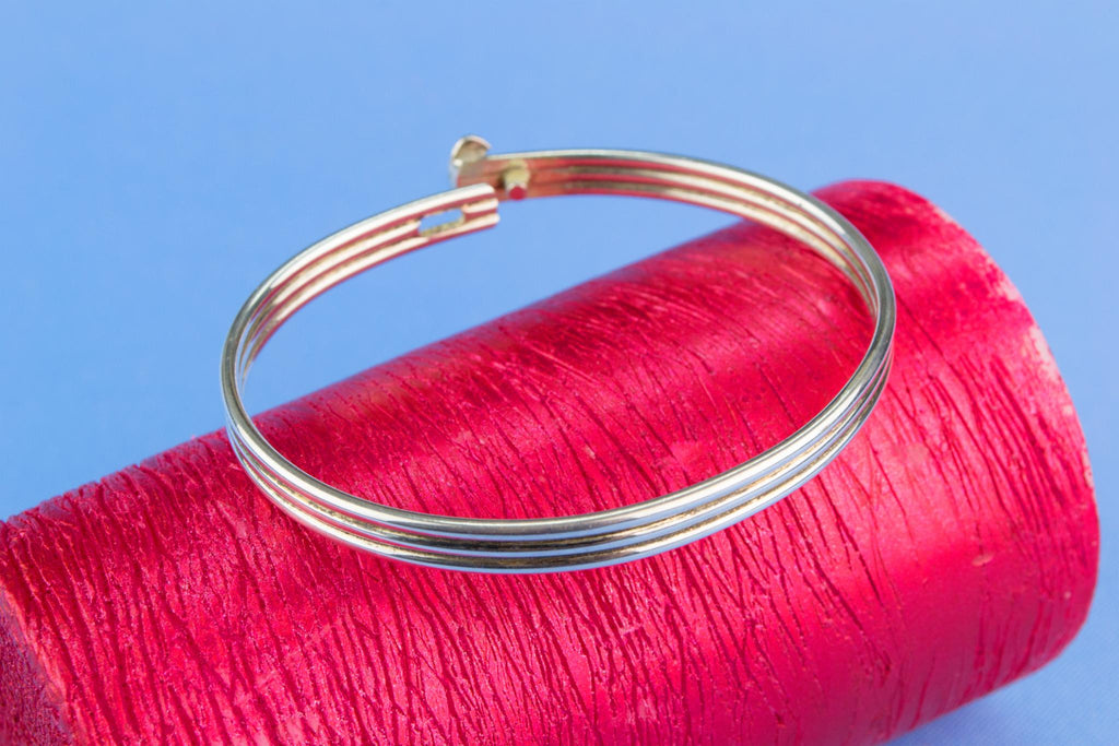 Narrow Bangle in Sterling Silver