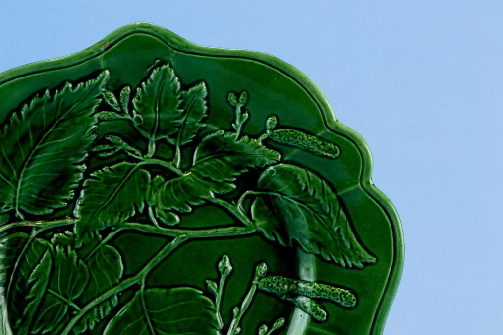 Serving Dish Green Majolica, English 19th Century