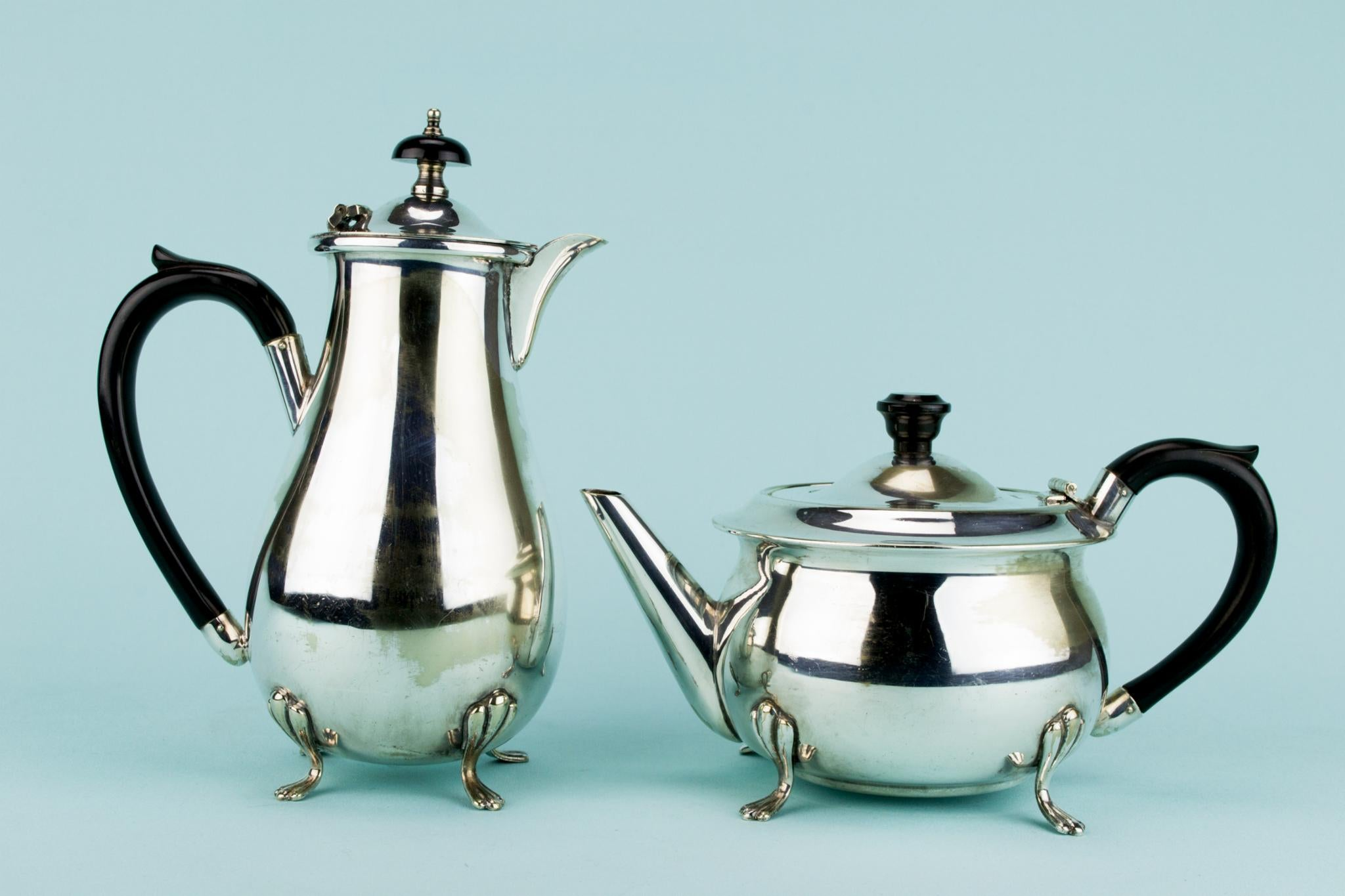 ... Silver Plated Tea and Coffee Set English Circa 1930 ... & Silver Plated Tea and Coffee Set English Circa 1930 | Lavish Shoestring