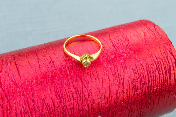 Solitaire Diamond Ring in 18ct Gold