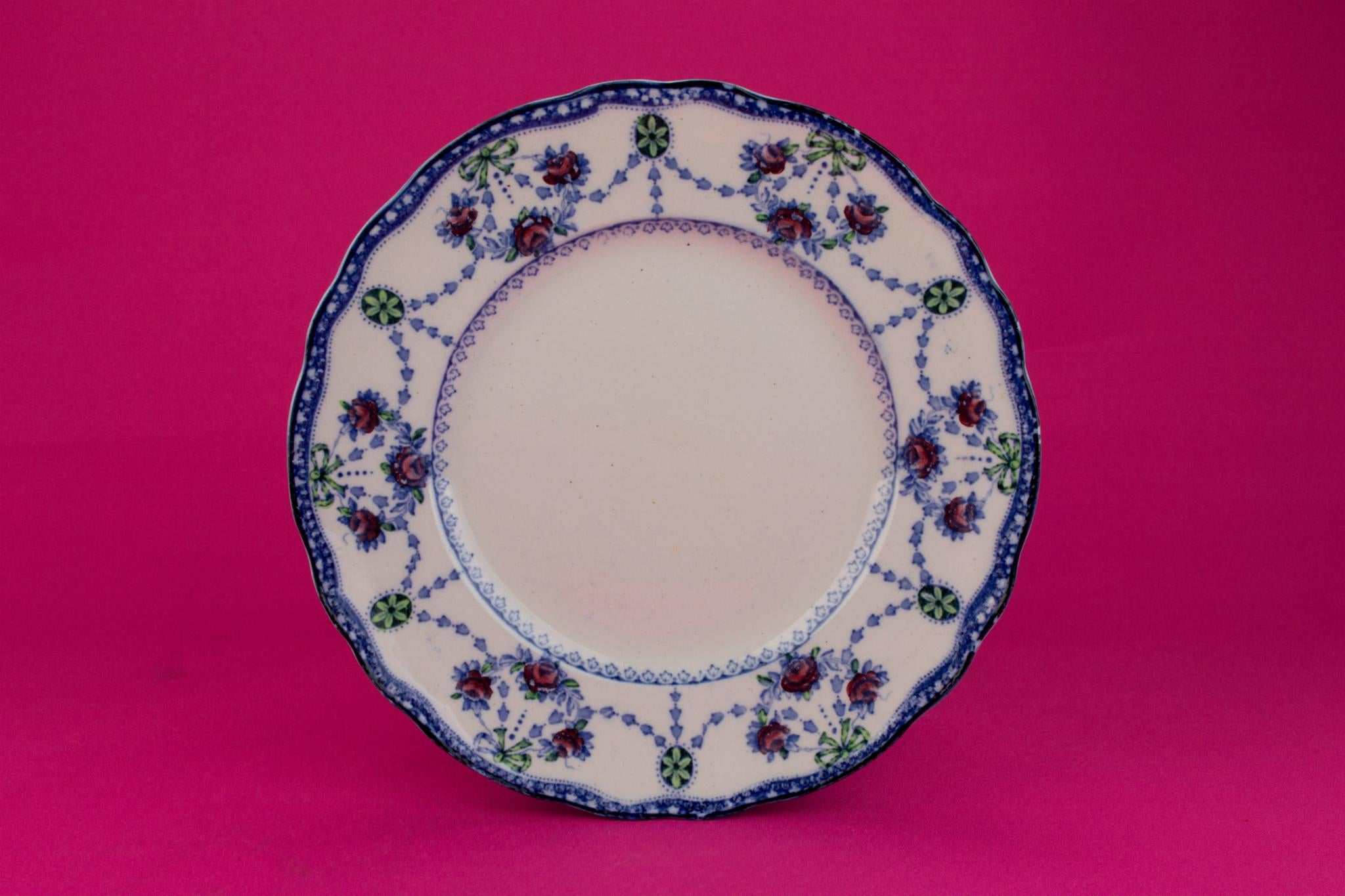 6 Flow Blue Dinner Plates, English 1910s