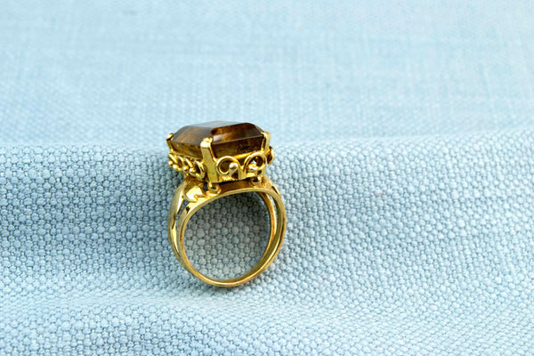 18ct Gold Ring with Cushion Cut Citrine