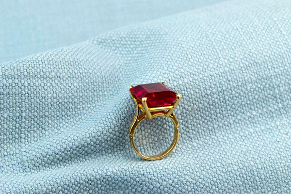 Large Ruby Ring in 18ct Gold