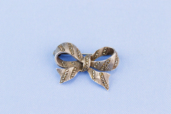 Silver Bow Brooch, German 1940s