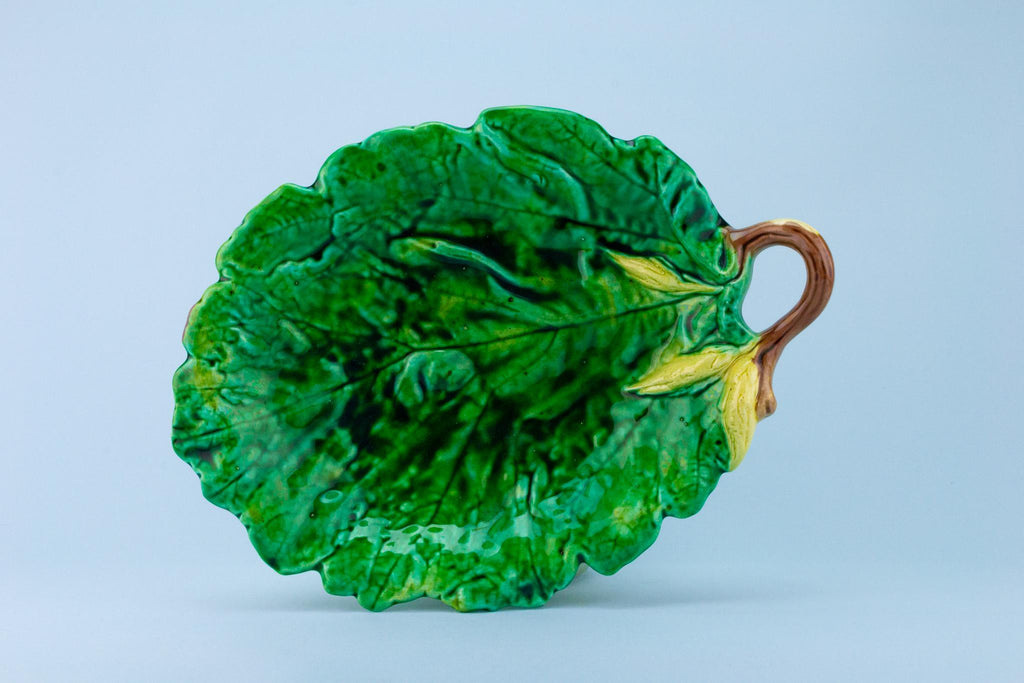 Green Majolica Leaf Serving Dish, English Late 19th Century
