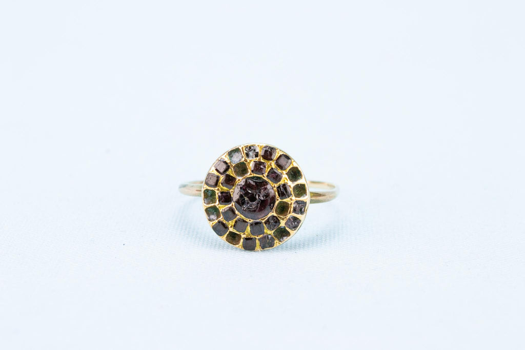 17th Century Garnet Ring in Gold