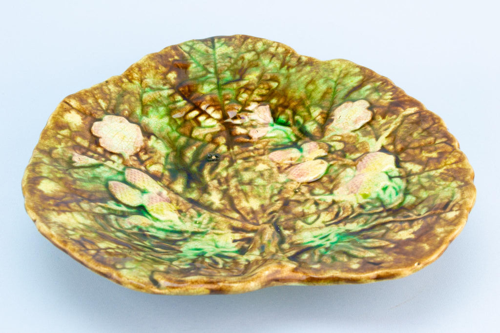 Serving Bowl in Majolica with Strawberries