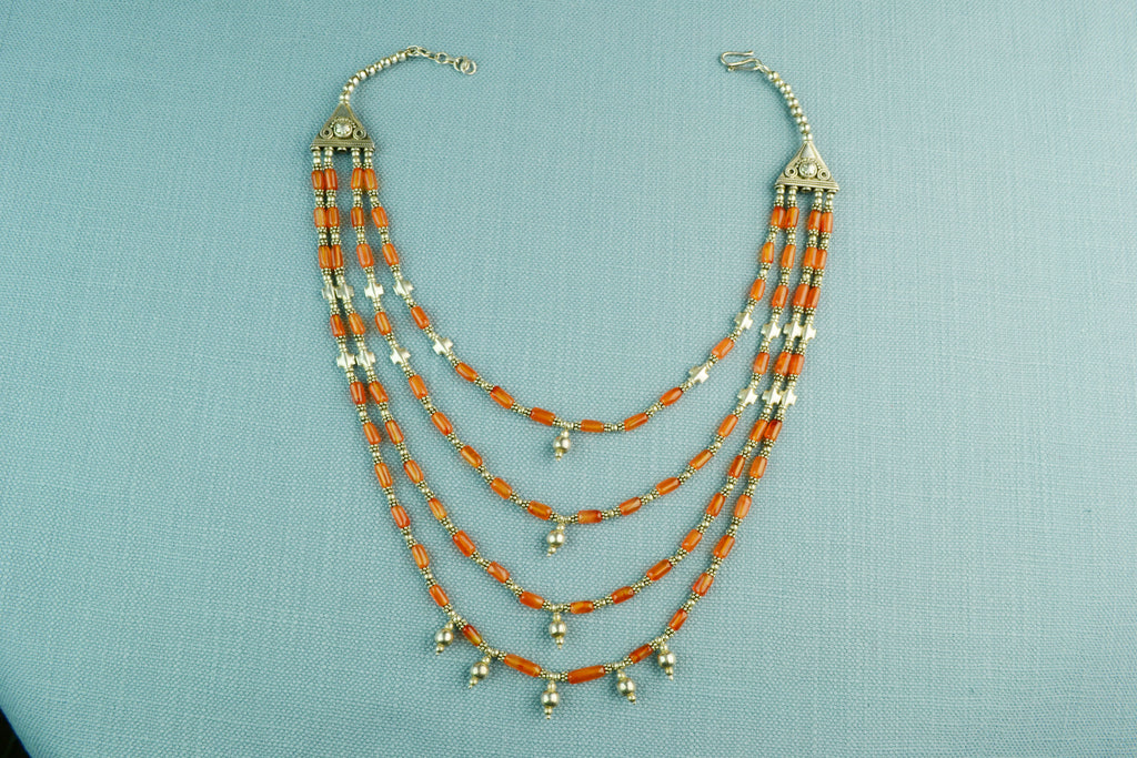 Necklace in Silver and Carnelian Beads