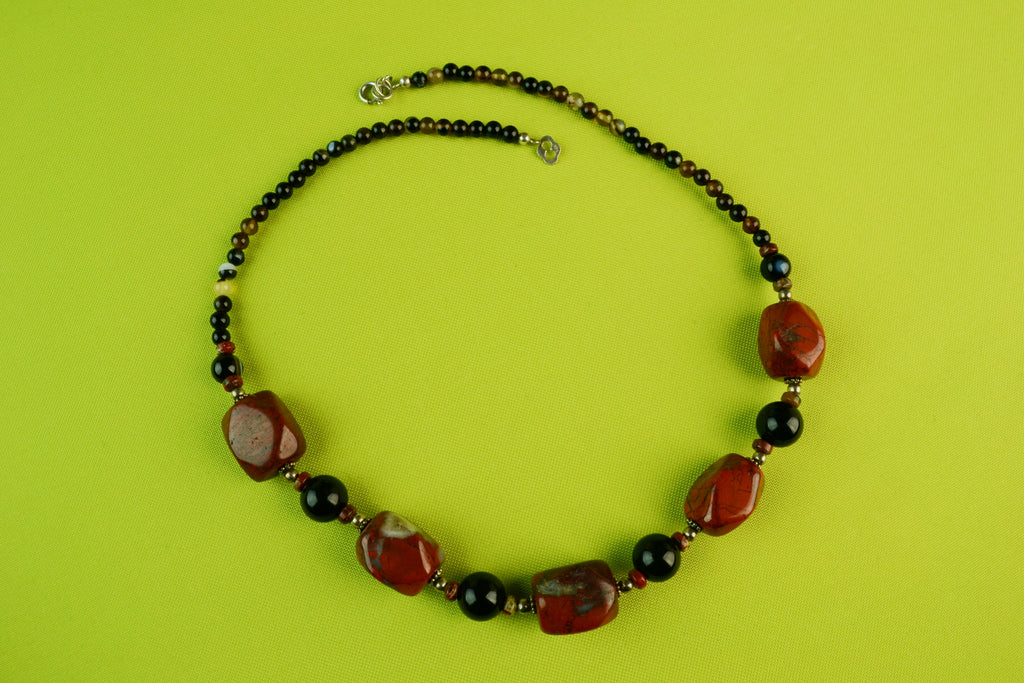 Necklace in Silver with Red Agate Beads