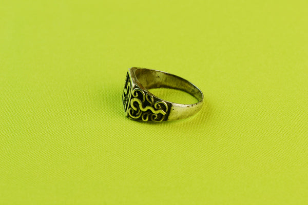 Ring in Silver with Filigree Design