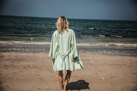 Frauen, Women - Bathrobe Woman Lin Nu
